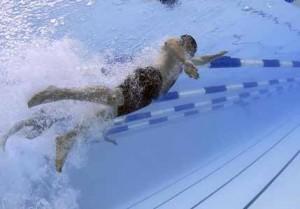 partir-en-vacances-nager-comp