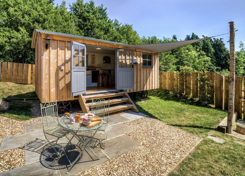 tiny-house-camping