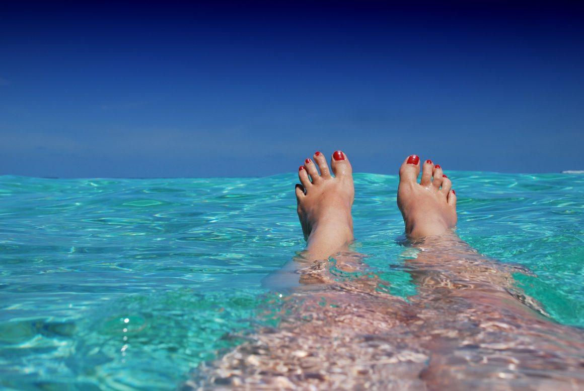 vacances-soleil-maldives-pieds